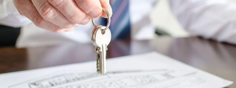ingatlan adásvétel ügyvédi költség